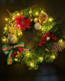 クリスマスを華やかに演出できるライティングリースづくり