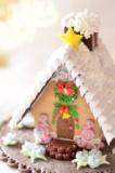 クリスマスに自分でも作りたくなるお菓子の家作り